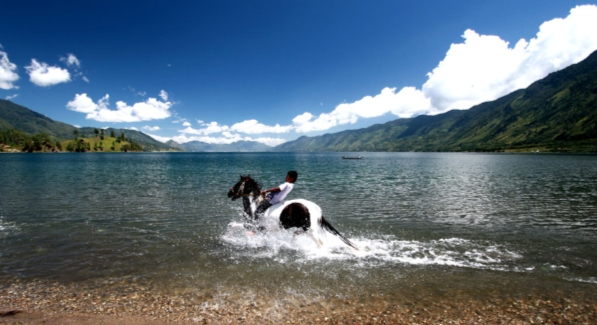 takengon horsing tour package
